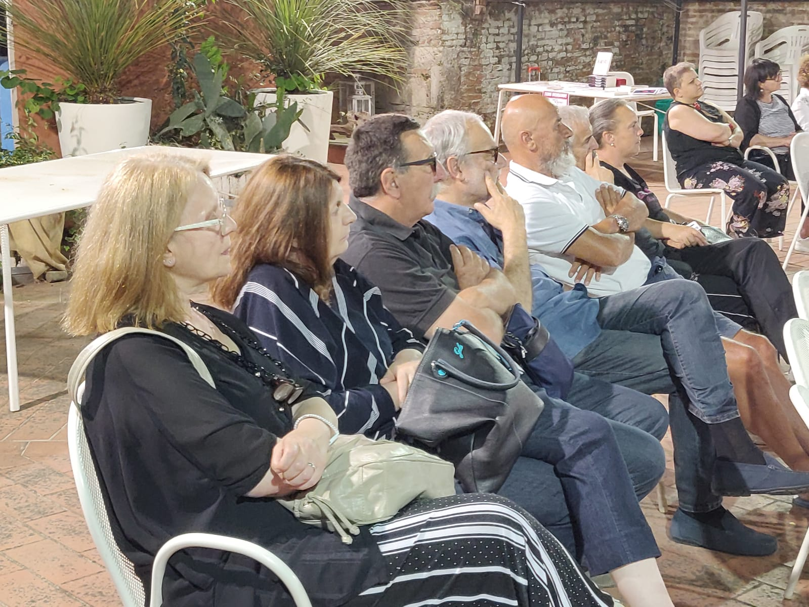 """Serata speciale per AIMUSE alla presentazione del libro """"Ombre di Vetro"""" dell'autore Fabio MUNDADORI presso la Pro Loco di Grosseto."""